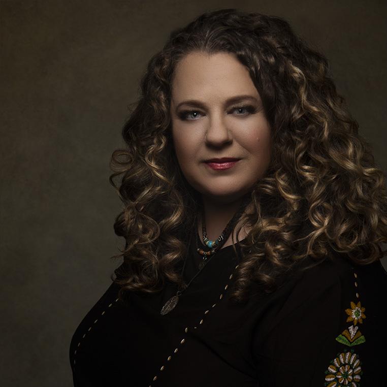 Portrait of Los Angeles birth photographer, Leona Darnell
